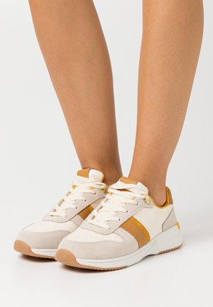 DELYN RUNNING - Zapatillas - light beige/cream
