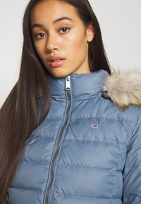 Tommy Jeans - BASIC - Untuvatakki - faded ink - 6