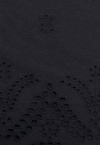 Zizzi - MALVA - Shorts - black - 2