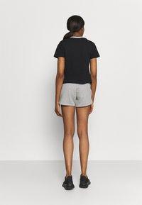 Reebok - LINEAR LOGO TEE - Print T-shirt - black - 2