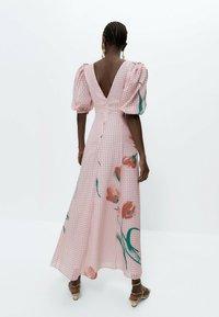 Uterqüe - Robe longue - pink - 2