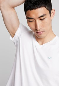 Hollister Co. - ICON VARIETY  - T-shirt basique - white - 3