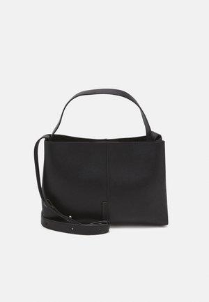 GERI - Across body bag - black