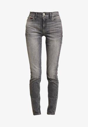 NORA MID RISE - Skinny džíny - merrick grey