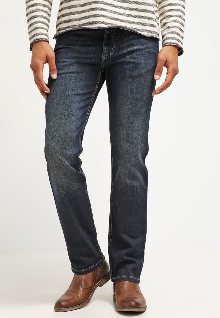 Bugatti - NEVADA - Jeansy Straight Leg - dirty wash