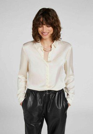 KLASSISCHEN STIL - Button-down blouse - offwhite