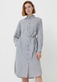Finn Flare - Shirt dress - white - 0