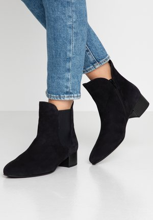 WIDE FIT - Classic ankle boots - pazifik