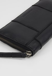 FREDsBRUDER - ZIPPY  - Wallet - black - 2