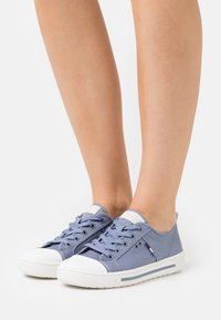 Jana - Trainers - denim - 0
