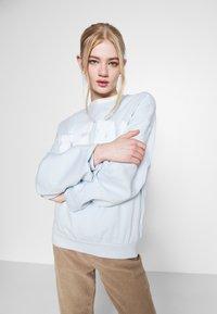Weekday - PAM  - Sweatshirt - light blue - 3
