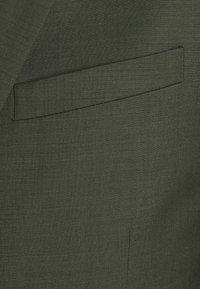 Tiger of Sweden - JULES SET - Suit - scarab green - 7