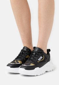 Versace Jeans Couture - Sneakers - black - 0