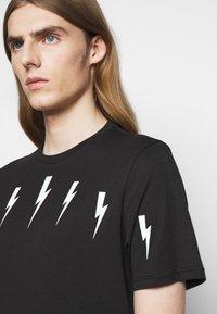 Neil Barrett - HALO BOLTS - T-shirts med print - black/white - 3