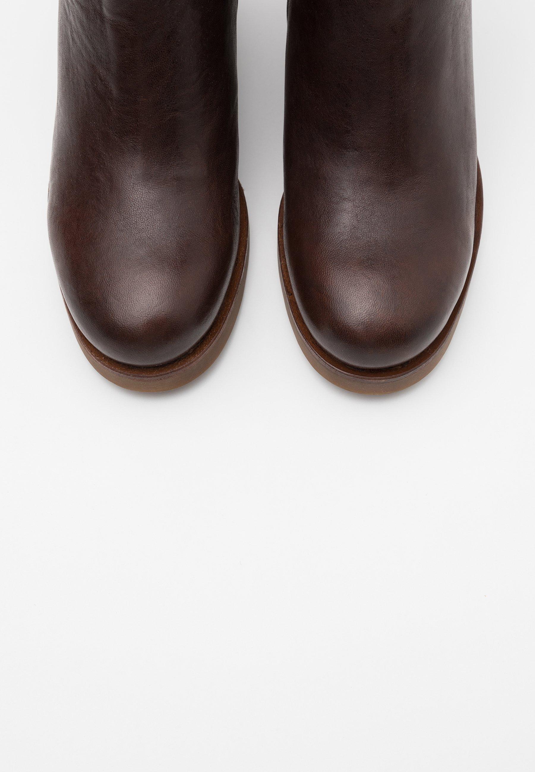 Korte laarzen dark brown
