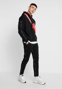Good For Nothing - FUTURE PANT - Pantalon de survêtement - black - 1