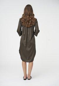 Dea Kudibal - KAMILLE - Shirt dress - dark olive - 2