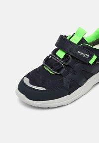 Superfit - RUSH - Zapatillas - blau/grün - 6