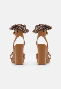 Liu Jo Jeans - HEBE  - Platform sandals - tan - 3