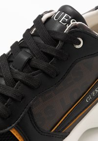 Guess - VITERBO - Zapatillas - brown - 5