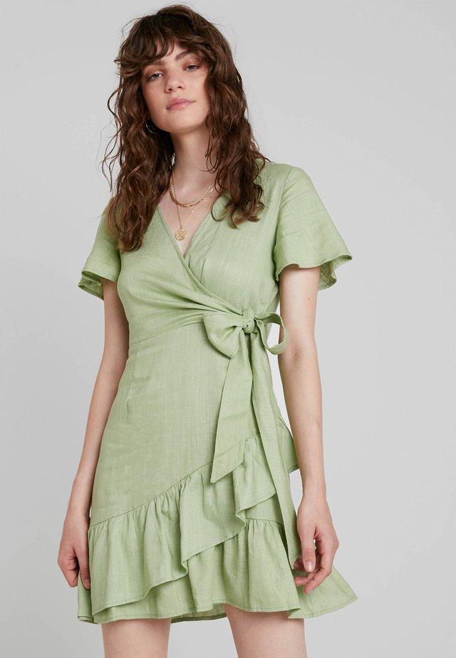 Day dress - pistachio