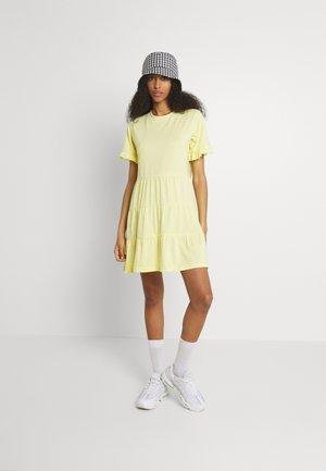 TIERED SMOCK DRESS 2 PACK - Jersey dress - black/lemon