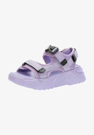 Sandali con plateau - purple