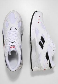 Reebok Classic - AZTREK - Sneakersy niskie - white/black/excellent - 1