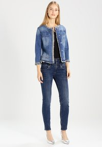 Liu Jo Jeans - KATE - Jeansjakke - denim blue stretch - 2