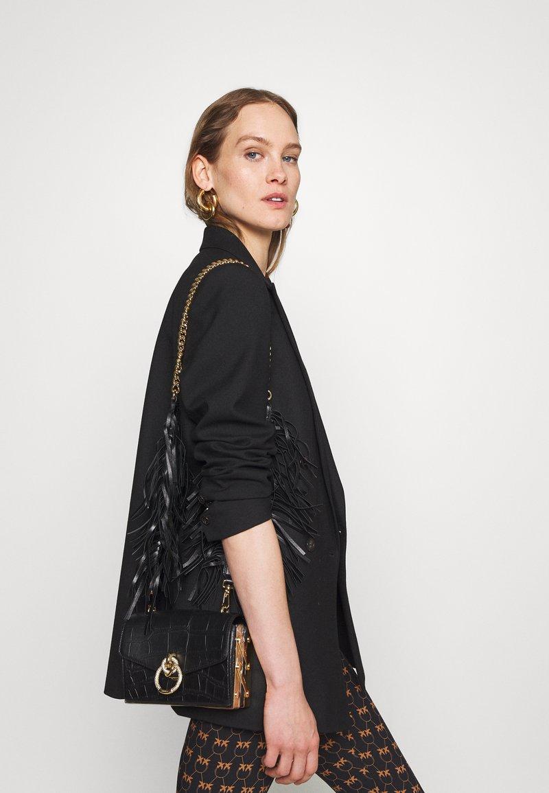 Pinko - LOVELINK ORGANIZED EFFECT - Across body bag - black