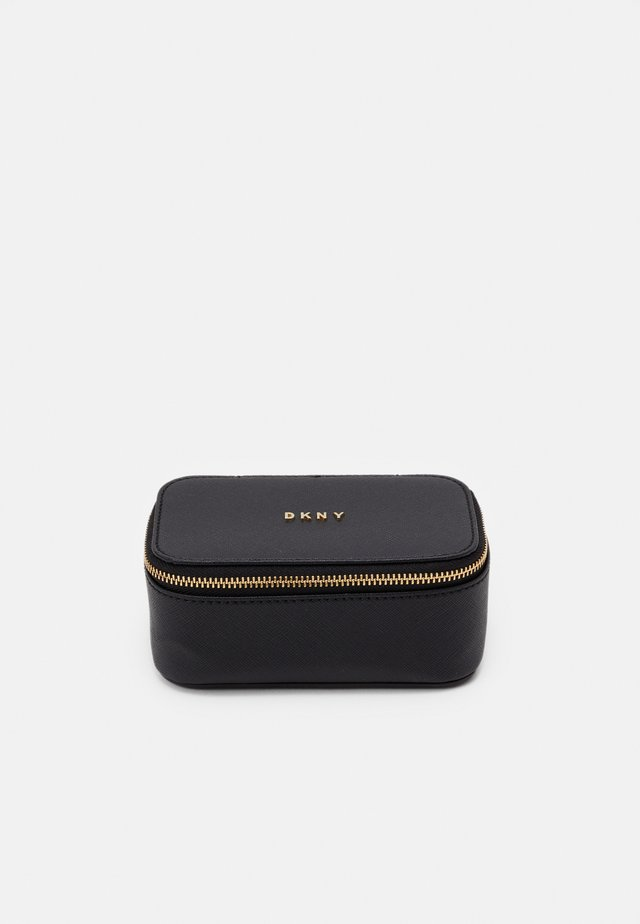 GIFTING JEWELRY BOX - Toilettas - black/gold-coloured