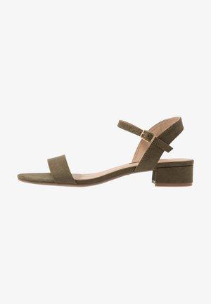 SPRIGHTLY LOW BLOCK HEEL - Sandals - khaki