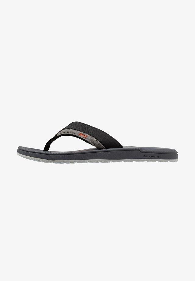CONTOURED CUSHION - Sandály s odděleným palcem - grey/orange