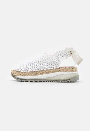 VILLA - Platform sandals - blanco
