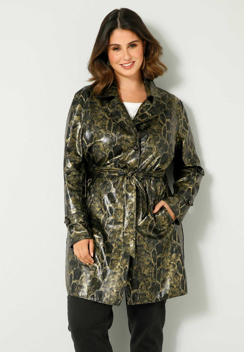 Sara Lindholm by HAPPYsize - Short coat - grün schwarz