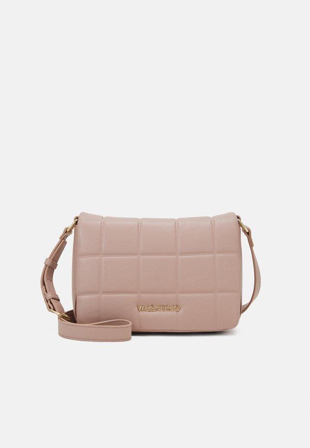 IMPERIA - Across body bag - rosa antico