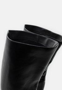 RAID - GRESHA - Kozačky na vysokém podpatku - black - 5