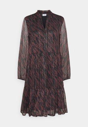 DEDNASZ EDA DRESS - Day dress - fudge stained leaves