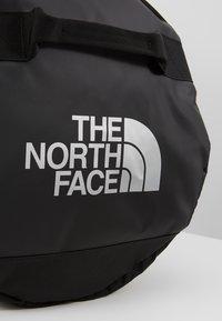 The North Face - BASE CAMP DUFFEL L UNISEX - Resväska - black - 7
