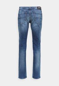 Tommy Jeans - SCANTON SLIM - Džíny Slim Fit - dynamic jacob mid blue stretch - 7
