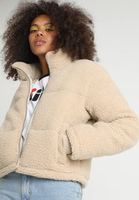 Urban Classics - LADIES BOXY PUFFER - Winter jacket - darksand - 4