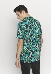 Guess - RESORT  - Shirt - green leaves on blue - 2