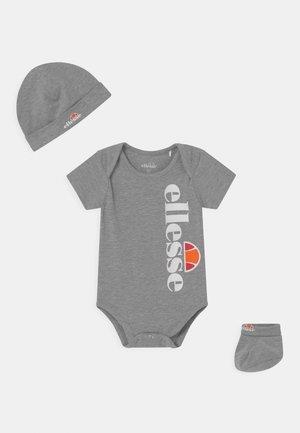 ELEANORI BABY SET UNISEX - Printtipaita - grey
