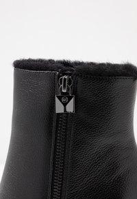 MICHAEL Michael Kors - FRENCHIE BOOTIE - Kotníková obuv na vysokém podpatku - black - 2