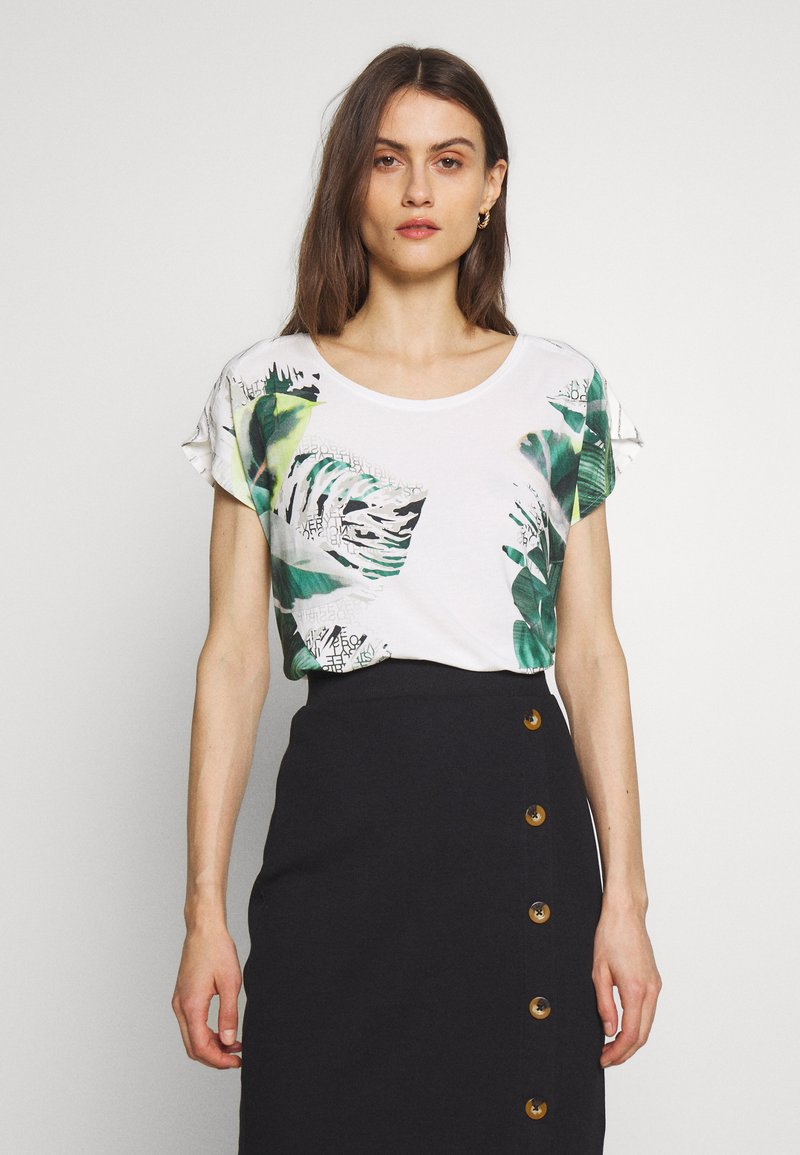 Betty & Co - MASSTAB - T-shirt z nadrukiem - cream/mint