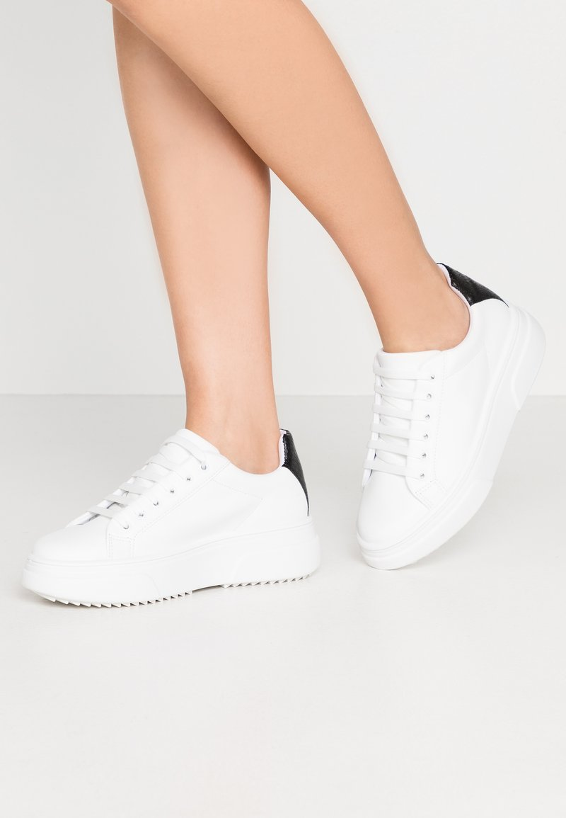 Topshop - CANADA LACE UP TRAINER - Trainers - monochrome