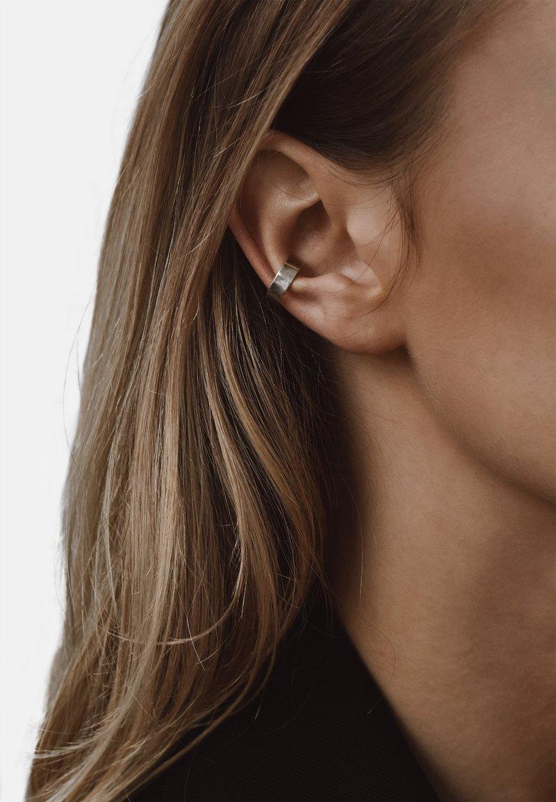 No More - FLAT EAR CUFF - Earrings - silver