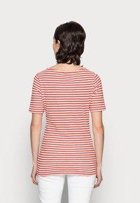 Marc O'Polo - Print T-shirt - burnt orange - 2