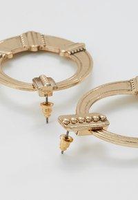 ERASE - ETHNIC DOOR KNOCKER - Pendientes - gold-coloured - 2
