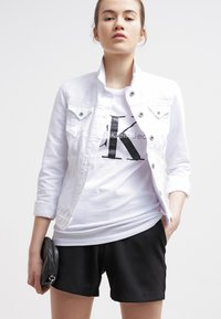 Calvin Klein Jeans - Print T-shirt - bright white - 3